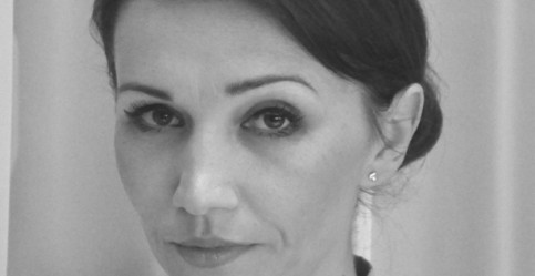 Gabriela Kahl, LOB