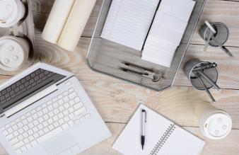 Jak napisać zwięzłe i skuteczne podsumowanie zawodowe w CV