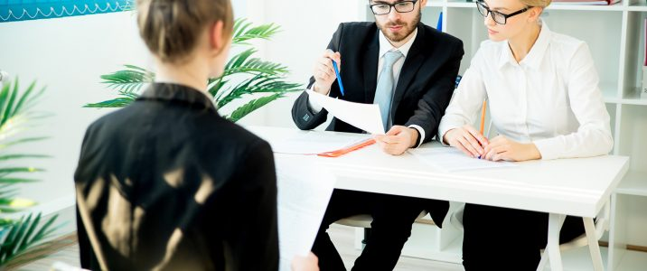 A young woman came to a job interview